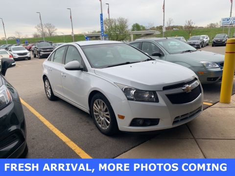 Pre-Owned 2011 Chevrolet Cruze ECO